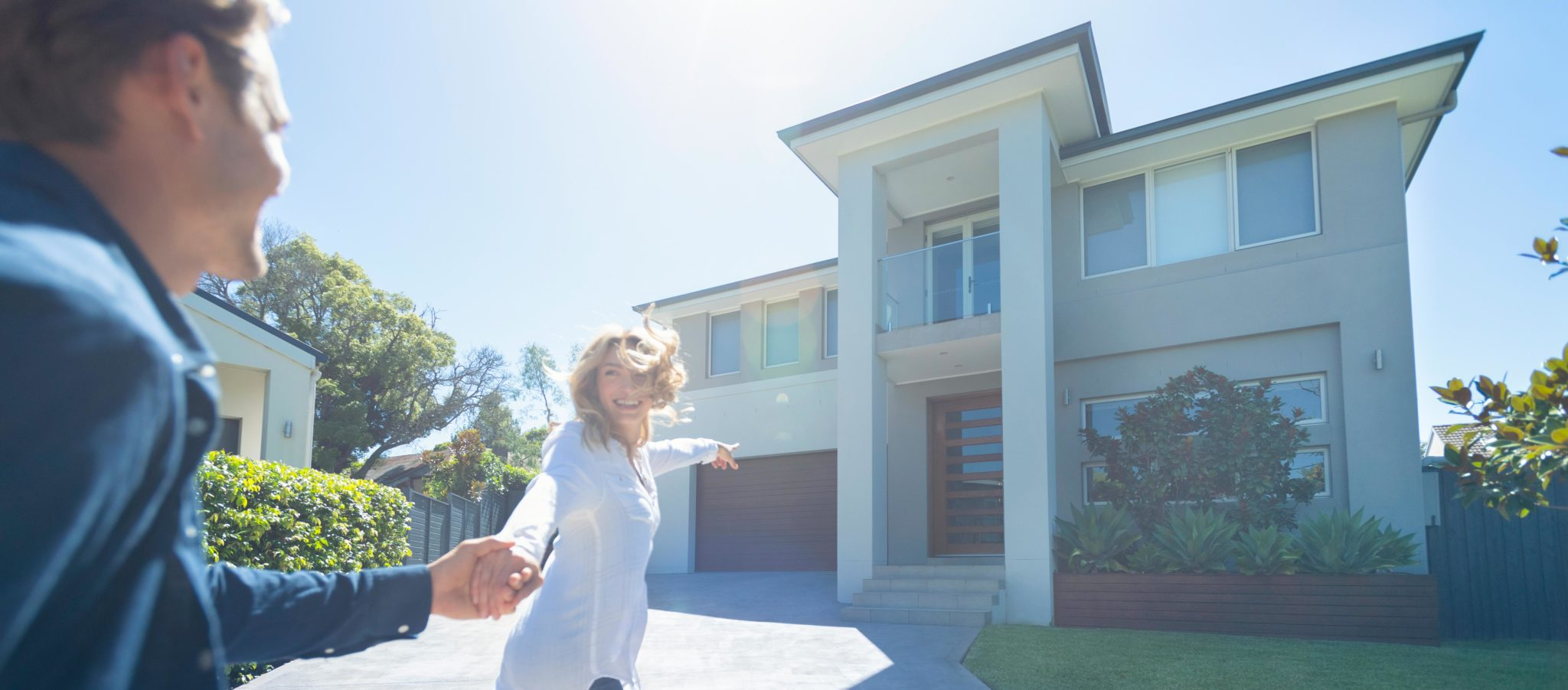 Glücklicher Einzug in die neue Immobilie
