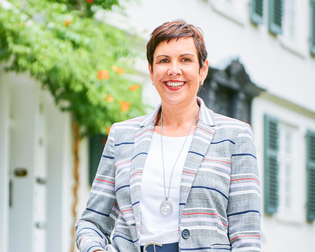 Geno Immobilien Essen Frau Rolef